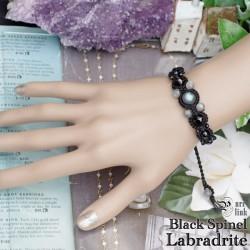幻想的な輝き『ラブラドライト&ブラックスピネル』編みブレス