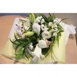 お供え、ご仏前に 白いユリの花束 [全国送料864円]